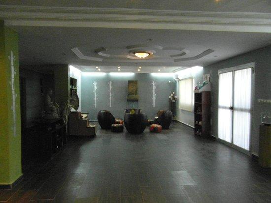 Guinea: SPA,Zen Garden,Camayenne,Conakry