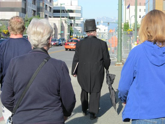 Ghost Tours of Anchorage: The leader of the pack !