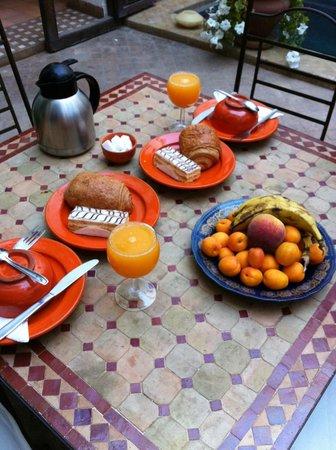 Riad Elixir: Le petit dejeuner-Royal!