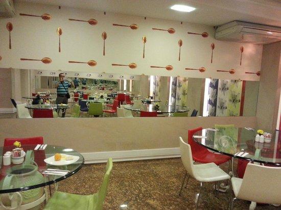 Konak Hotel: la salle du petit dejeuner