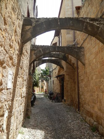 Spot Hotel: Street in Old Town Rhodes