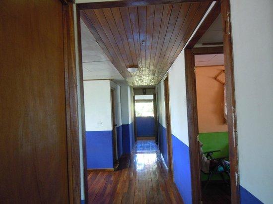 Costa Rica Airport Lodge: Hallway