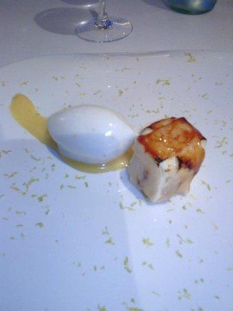 Restaurante Inigo Lavado: Sorpresa de vainilla con helado de limón y crema cítrica