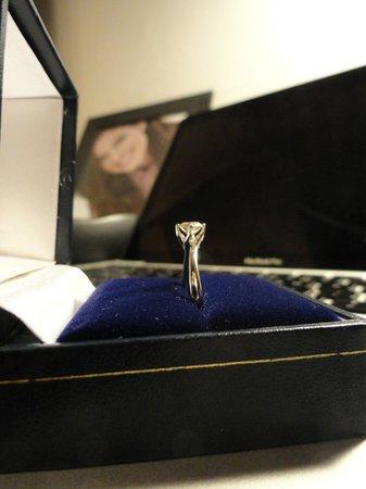 GERETTI Jewellery & Diamonds: Amazing engagement ring!!
