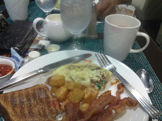 Hilton Garden Inn Toronto Downtown: breakfast