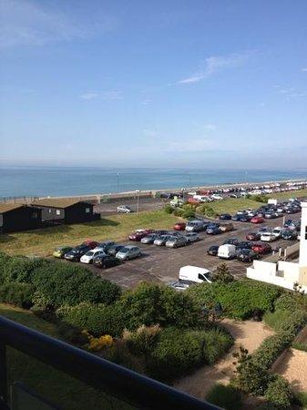 Butlin's Shoreline Hotel: Partial sea view from room 420.