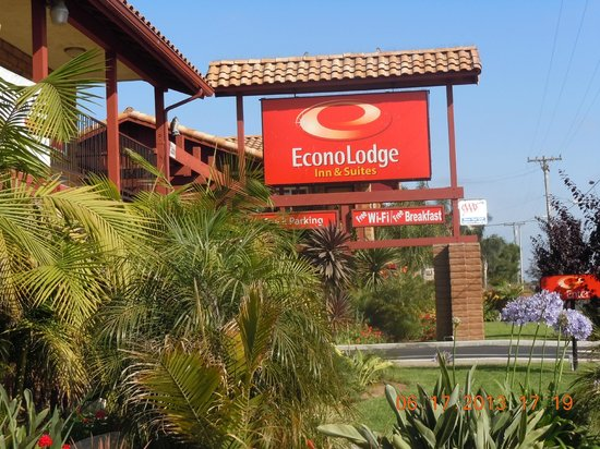 Econo Lodge Inn & Suites Near Legoland: Econolodge Carlsbad CA