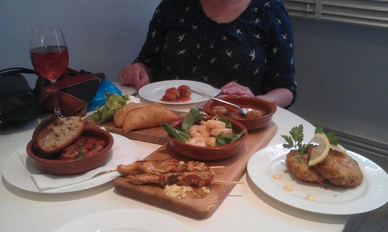 Cabra Verde Restaurant: 6 portions of Tapas