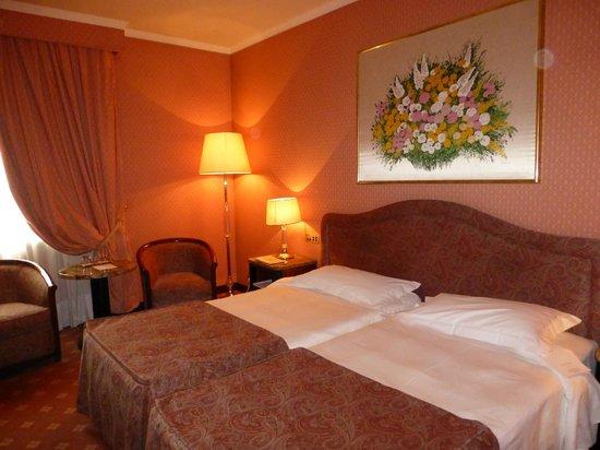 ADI Doria Grand Hotel: Habitacion