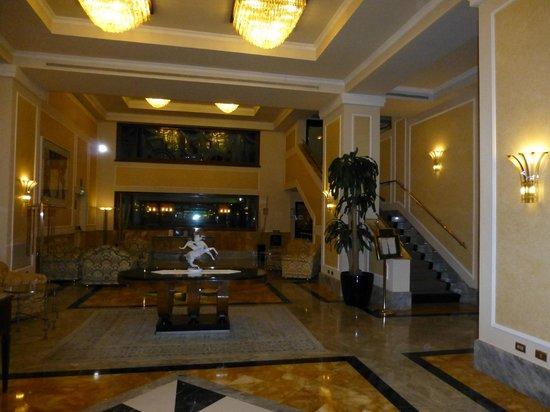 ADI Doria Grand Hotel: Lobby
