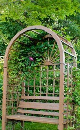 Green Gables Guest House : The Garden
