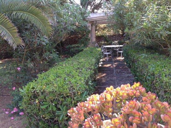 Biniarroca Hotel : Garden