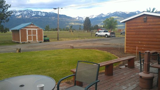 Mountain View Motel & RV Park: different lighting
