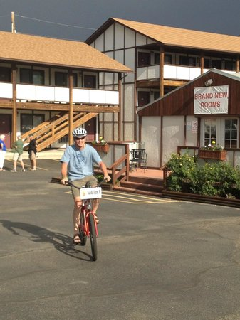 Super 8 Salida : Cruiser bike at the Super 8 -- Fun!