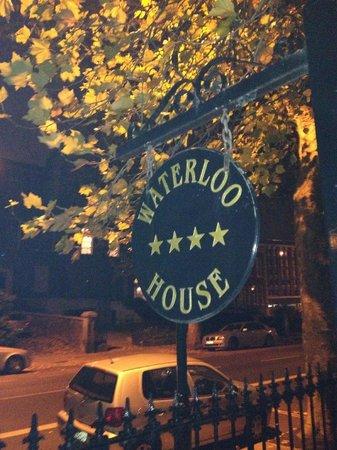 Waterloo House: Night time