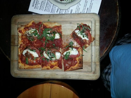 Virgilio's: Flat Bread Pizza