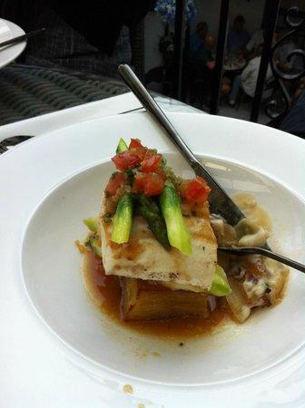 Pavarotti: Main course - halibut