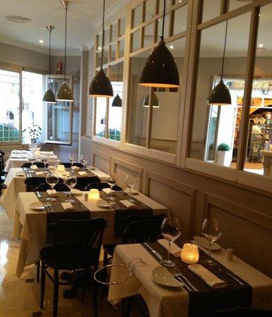Casa tua: Inside Restaurant