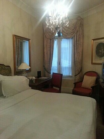 Millennium Hotel Paris Opera: one bed