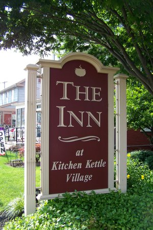 Inn at Kitchen Kettle Village: The Inn