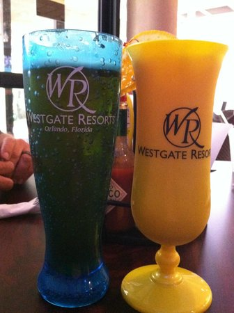Drafts Sports Bar & Grill: Refillable Cups. fill them up repeatedly