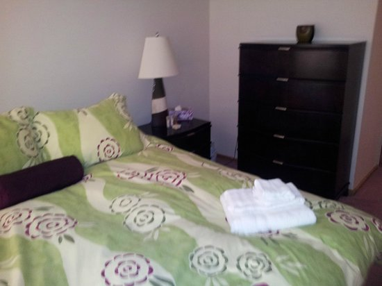 Green Row Executive Suites: Bedroom # 1