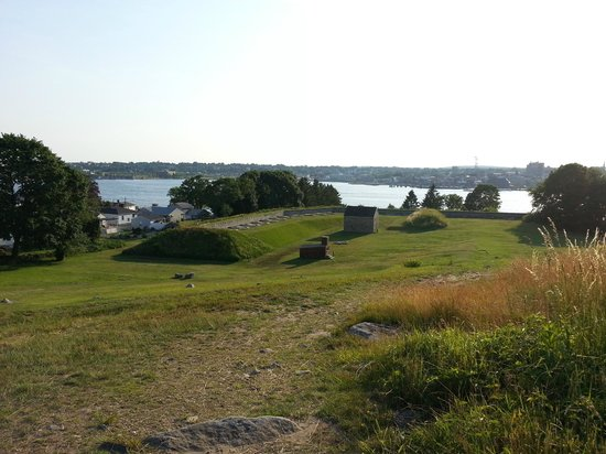 Fort Griswold Battlefield State Park : The view of the Thames.