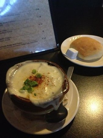 Silk Mill Grille: French onion soup