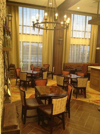 Hampton Inn & Suites Tifton : Hotel Lobby