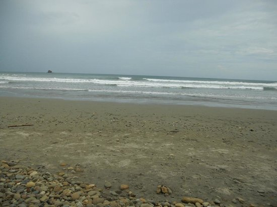 Playa Hermosa Surf Camp: Nice waves for surfers
