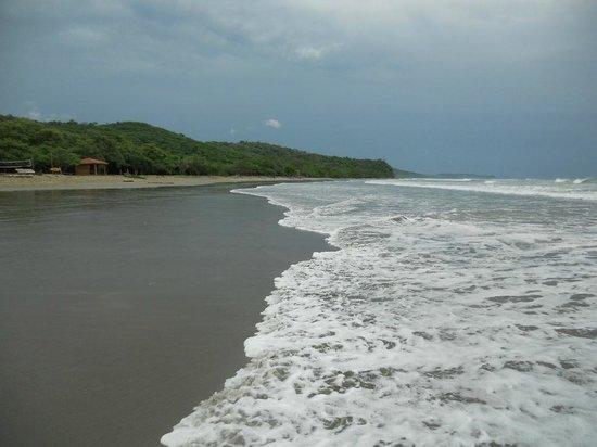 Playa Hermosa Surf Camp: Looking West Northwest on the beach
