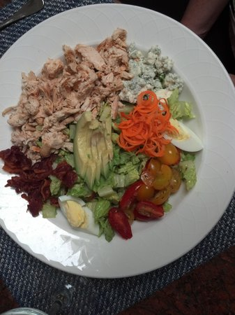 Arizona Inn Audubon Bar: Cobb Salad w Avacado Dessing