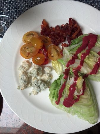Arizona Inn Audubon Bar: Wedge Salad (side dish)
