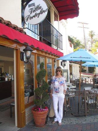 Portofino Hotel: in front of hotel