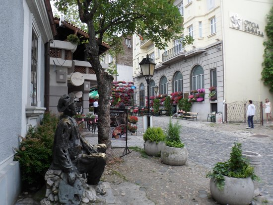 Rooms 29th: Just around the corner in Skadarska