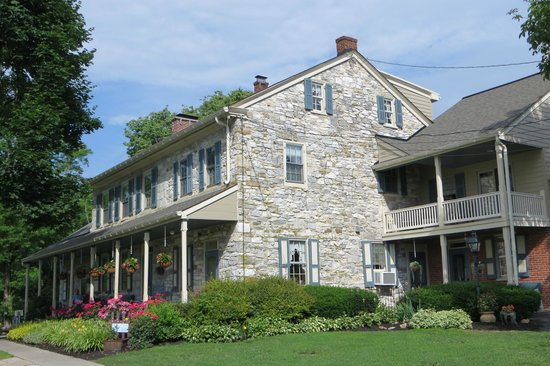 Rocky Acre Farm B&B: Inn