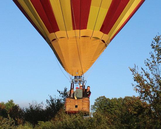 Equniox Balloons: Balloon ride near Glens Falls, NY