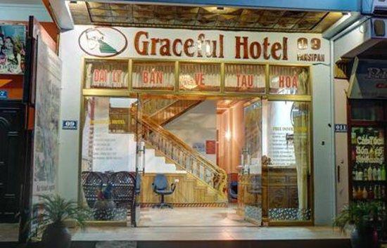 Sapa Graceful Hotel: Night View