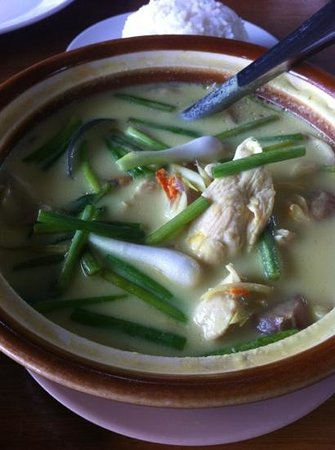 Keang Lay: Green curry chicken soup - so nice!