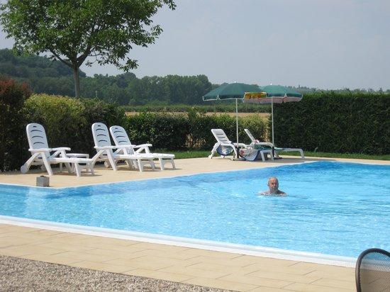 Il Cigno: The pool, WYSIWYG