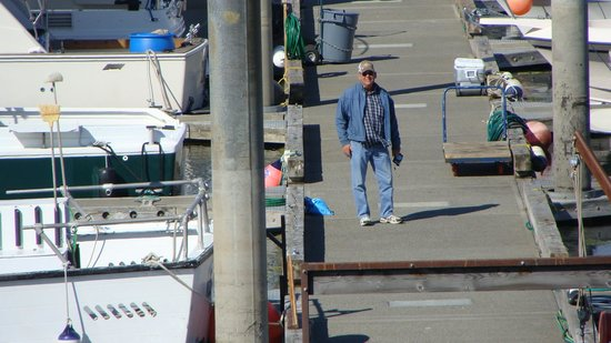Alaska Fishing Lodge - Soldotna Bed and Breakfast Lodge: Husband at Homer dock