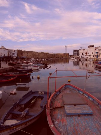Qsiba: Old Port by sunset