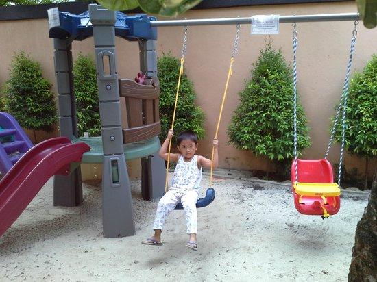 Purple Fountain  Inn: a mini playground