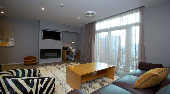 King and Queen Hotel Suites: Queen Victoria Suite