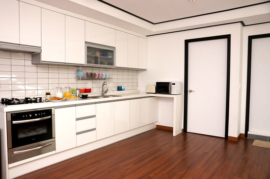 Agrina Guesthouse: kitchen