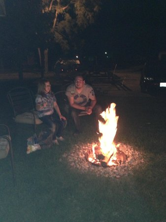 Lighthouse Lodge B&B: Fire pit