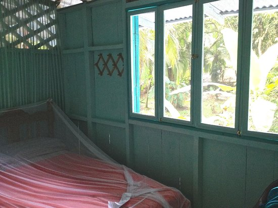 Hidden Jungle Beach House: My room