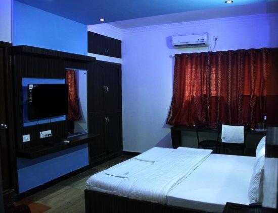 Hotel Richmond Residency : Luxury Room