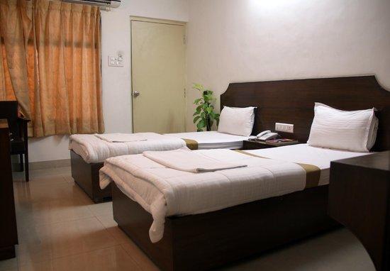 Hotel Richmond Residency : Premium Room