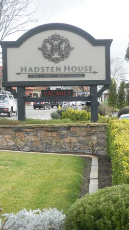 Hadsten House: Hotel Sign....